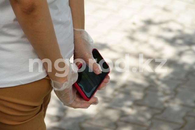 В управлении здравоохранения ЗКО рассказали, почему забирают телефоны у пациентов с COVID-19
