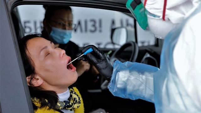 Качели смерти. Почему Казахстан обгоняет Китай по количеству заражённых коронавирусом