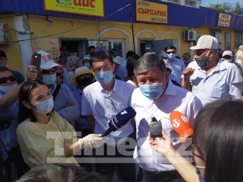 Торговцы в Актобе  требуют открыть рынки города