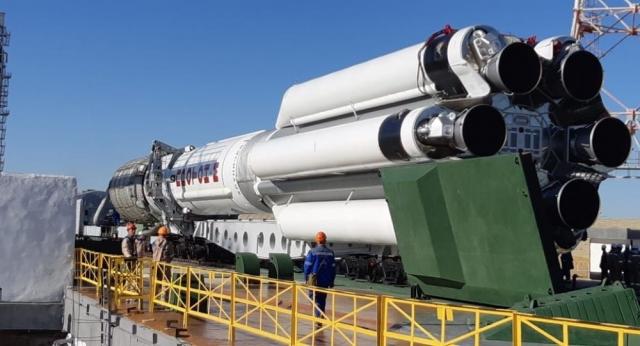 """Три бракованные ракеты """"Протон-М"""" увезли с Байконура"""