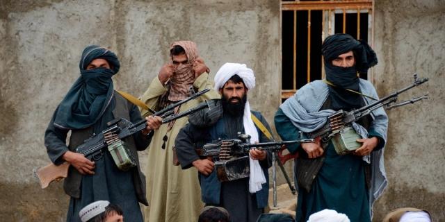 """Талибы опровергли сообщения о """"сговоре"""" с Россией против США"""