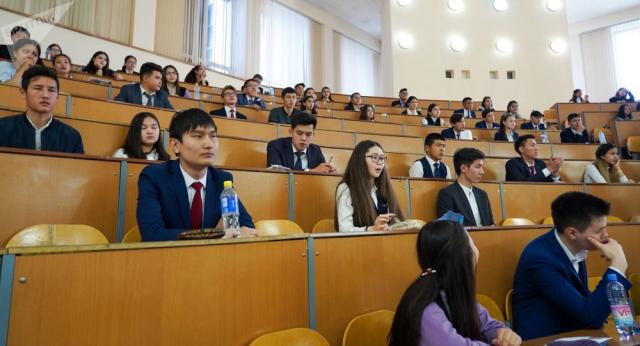 Обучающимся за рубежом студентам предложили перевод в казахстанские вузы