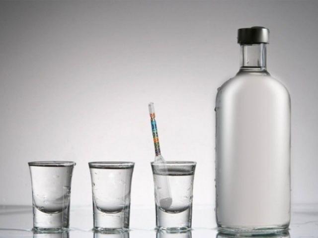 «Водка убивает вирус» — фейковое «заявление» главы Роспотребнадзора распространяют в казахстанских соцсетях