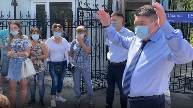 Главный санврач Алматинской области публично извинился
