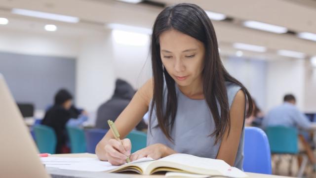 Опубликованы требования к казахстанским студентам для учебы за рубежом