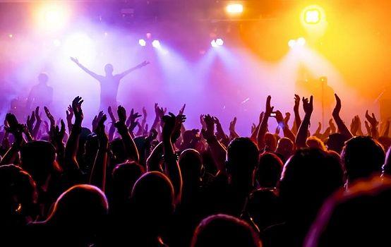 Штрафовать за концерты под фонограмму предлагают в Казахстане