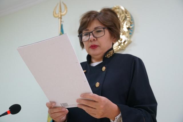 """""""Как можно в Нур-Султане жить на 30 тысяч?"""" Судья обратилась к казахстанским мужчинам"""