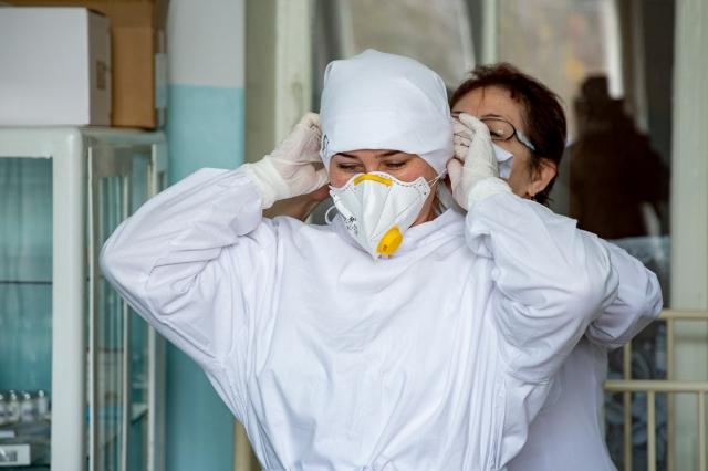 «Самат Багдатович, помогите!» В Актобе медики третий месяц не получают зарплату