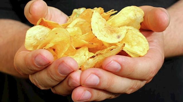 Назван способ сделать вредную пищу полезной