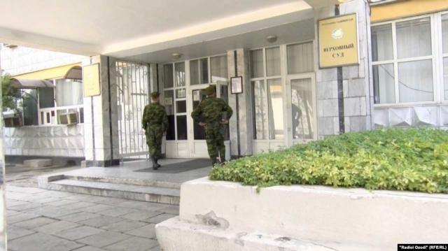 В Таджикистане солдат, проглотивший четыре иглы, осужден на 2,5 года за попытку уклонения от службы