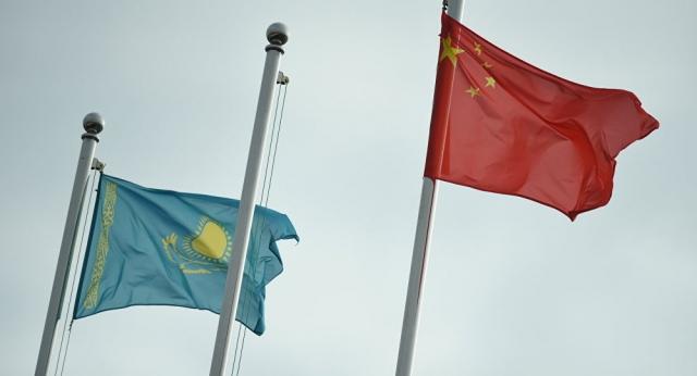 Казахстан и Китай возобновят выдачу виз для участников совместных проектов