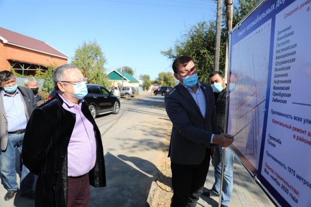 Глава региона лично проинспектировал работы по благоустройству города Актобе