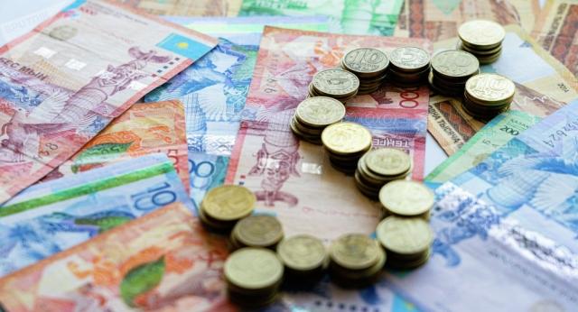 Сотрудница банка, похищавшая деньги клиентов, депортирована из ОАЭ в Казахстан