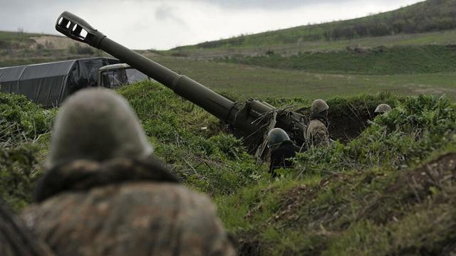 Азербайджан заявил, что взял в окружение армянских военных в Карабахе