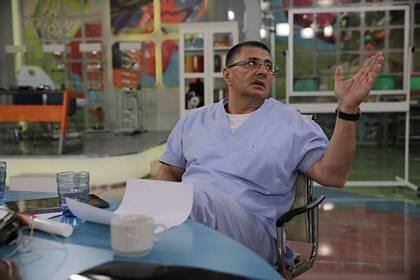 Доктор Мясников рассказал о способе распознать у себя рак