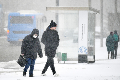 Врач назвал особенности защиты от коронавируса зимой