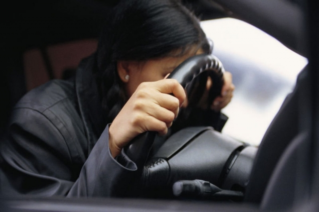 Пьяную женщину за рулем и без прав задержали в Актау