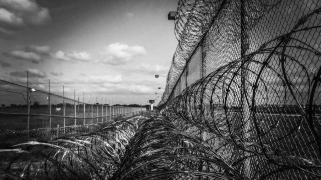В ДУИС подтвердили смерть подозреваемого в изнасиловании девочки в Сатпаеве