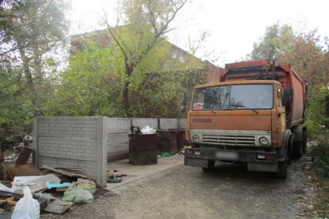 Тело женщины нашли в мусорном баке в Усть-Каменогорске