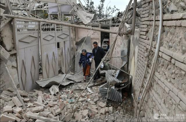Азербайджан заявил о пяти погибших при ракетном обстреле Гянджи