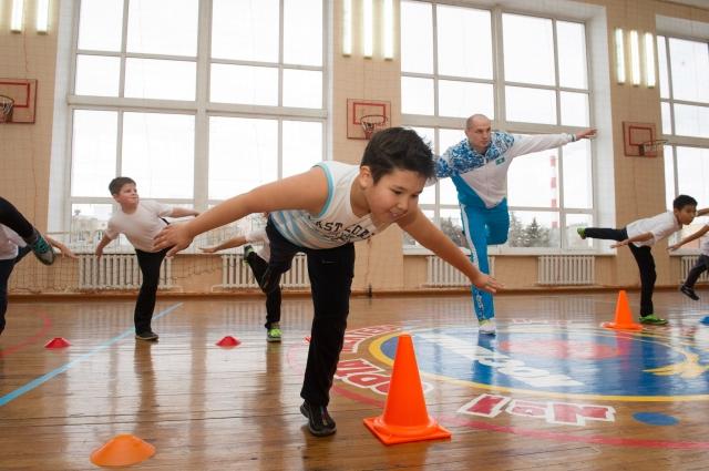 Известные спортсмены Казахстана будут проводить уроки физкультуры для школьников