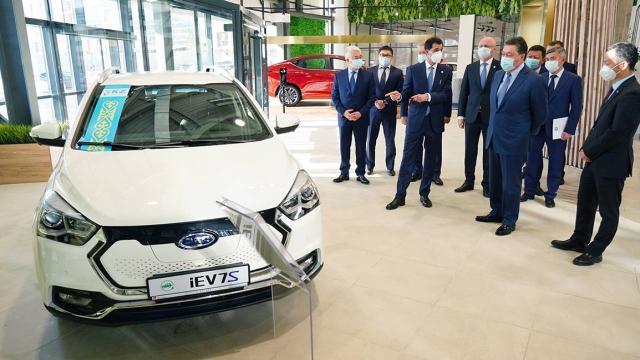 Мамину рассказали о планах развития производства электромобилей