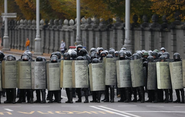 Правозащитники сообщили о 290 задержанных в ходе воскресных акций протеста в Белоруссии