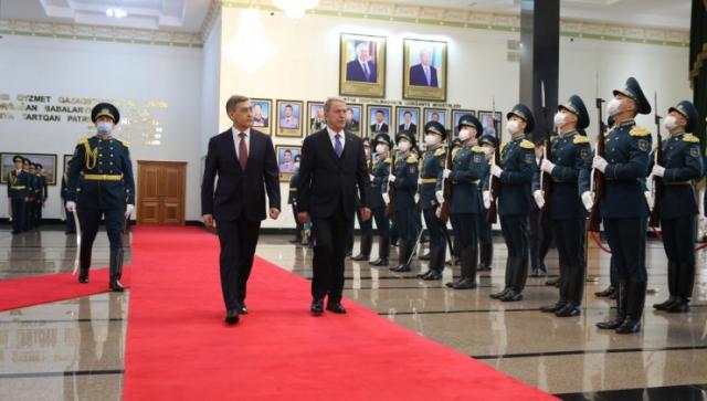 Стало известно о цели визита в Казахстан министра обороны Турции