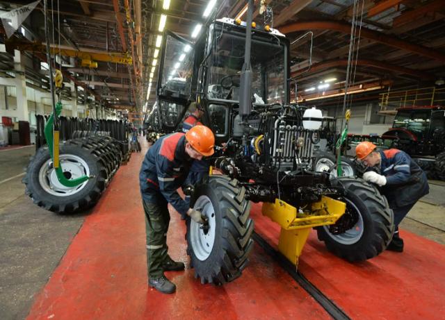 Власти Белоруссии опровергли сообщения о массовых забастовках на заводах