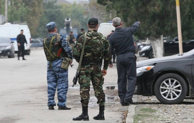 В Чечне два человека погибли в перестрелке, устроенной сотрудниками ОМОН и СОБР