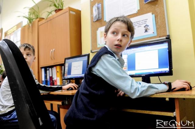 Кто виноват? Для актюбинских школ закупили дорогие слабомощные компьютеры