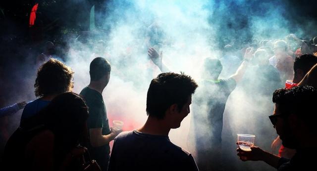 Появилось видео из ночного клуба в Нур-Султане, где веселились 500 человек