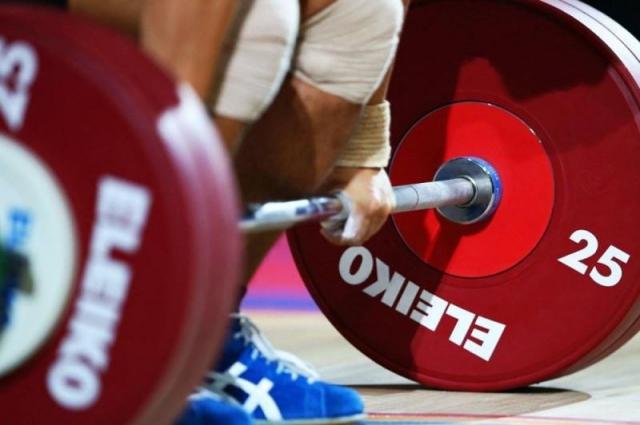 Казахстанец завоевал «золото» Кубка мира по тяжелой атлетике