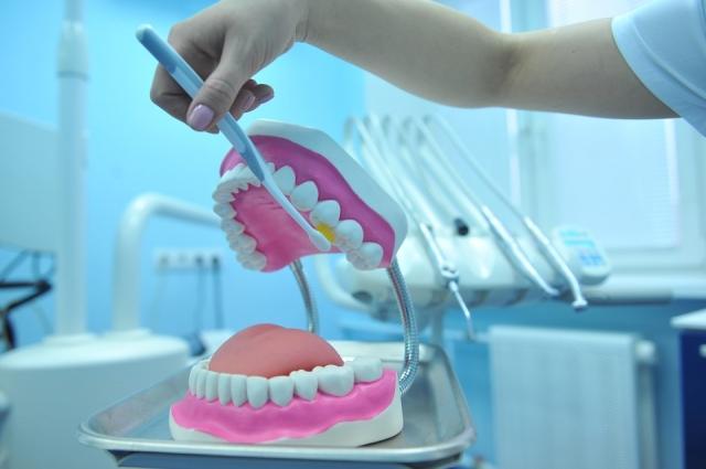 """""""Важно знать технику"""". Стоматолог рассказала о бесполезности самой дорогой щётки"""