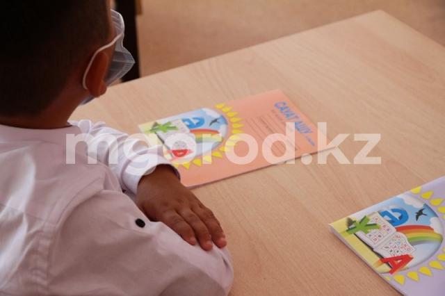 72 школьника заразились коронавирусной инфекцией в ЗКО