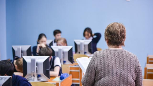 Родителей наказали за оскорбление учителей в Казахстане