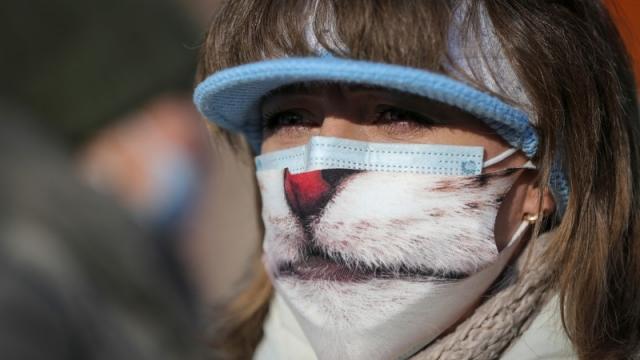 Число заболевших коронавирусом казахстанцев за сутки не опускается ниже 800