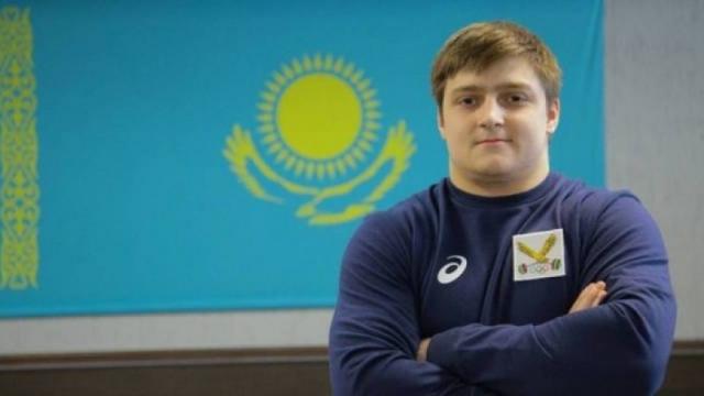 20-летний казахстанский тяжелоатлет побил рекорд Ильи Ильина и взял золото