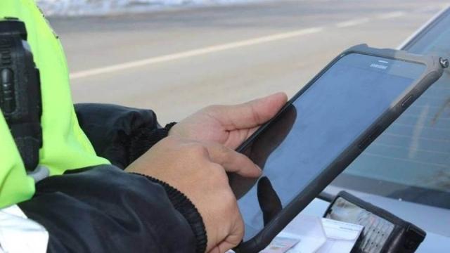 Кому в Казахстане разрешат ездить без водительского удостоверения