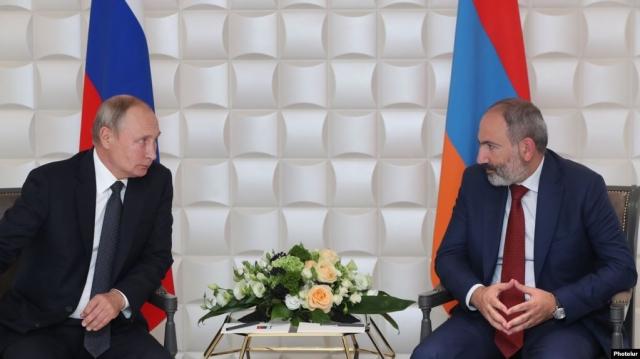 Путин призвал лидеров ОДКБ поддержать армянского премьера