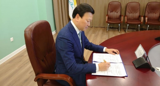 """РФ поставит в Казахстан субстанцию для производства 2 миллионов доз вакцин """"Спутник V"""""""