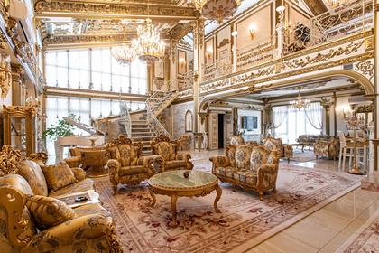 В российском городе нашли дворец за сотни миллионов рублей