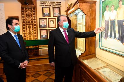 Президент Таджикистана открыл музей имени самого себя
