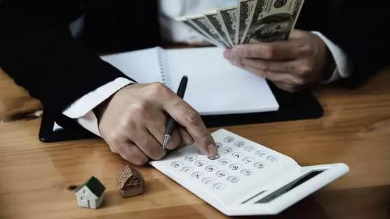 Пенсионные излишки: почему казахстанцам не стоит снимать свои накопления