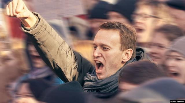 Оппозиционер Алексей Навальный анонсировал возвращение в Россию