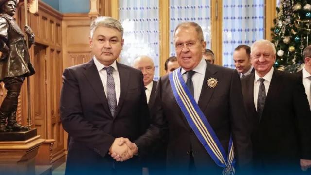 Сергею Лаврову вручили орден Казахстана