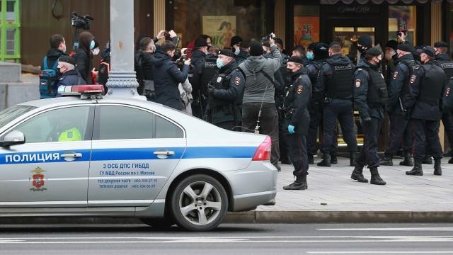 В России одобрили проект о наказании за вовлечение детей в акции протеста