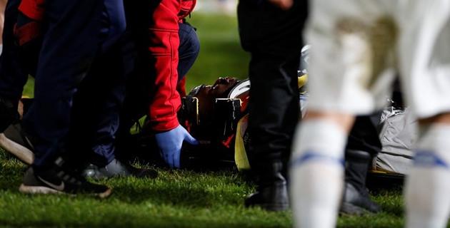 Видео жуткого столкновения. Футболист получил травму спинного мозга в чемпионате Португалии
