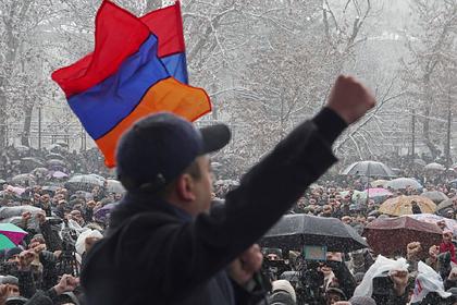 Пашинян заявил о попытке военного переворота в Армении