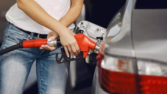 Цены на бензин выросли в Казахстане